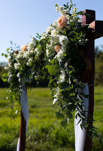 Wedding arbor flowers